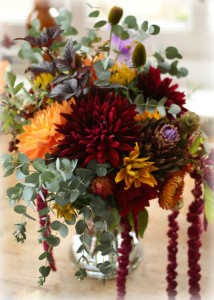 Natural autumn inspired bridal bouquet for October autumn wedding at the Drop Forge, Birmingham. Dahlias. British flowers, Birmingham UK
