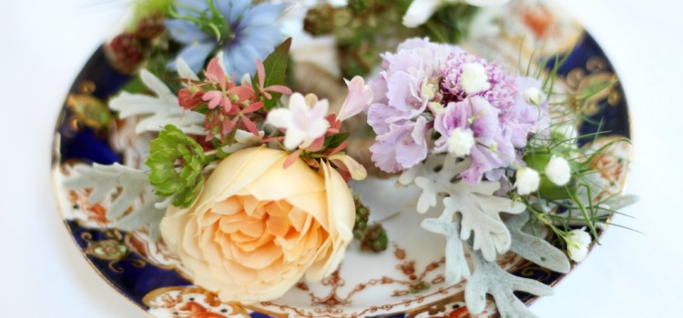 Natural weddings flowers: these buttonholes feature seasonal late summer British flowers. Natural wedding flowers in Birmingham, Worcestershire and Warwickshire.