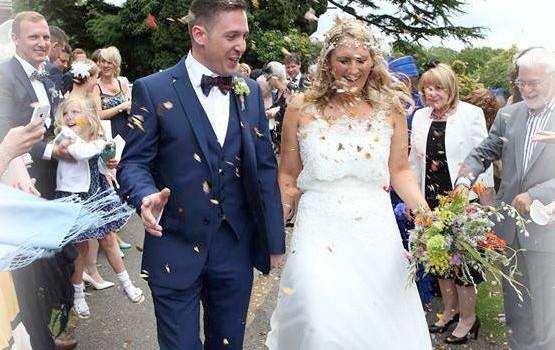 Wild style wedding flowers