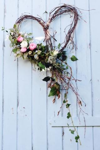 Tuckshop Flowers Birmingham B30. Seasonal natural wedding flowers in Birmingham, West Midlands, Worcestershire and Warwickshire