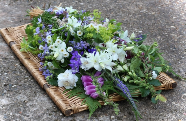 Natural funeral flowers by Tuckshop Flowers Birmingham. Funeral flowers in the West Midlands.