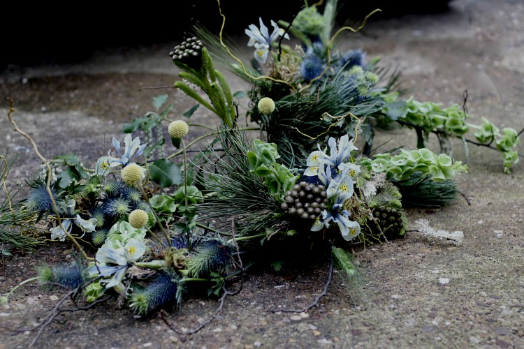 alternative funeral flowers - natural style funeral flowers