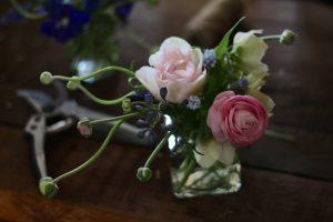 bespoke flower arranging workshops for companies, individuals and small groups. Tuckshop Flowers, Birmingham West Midlands.