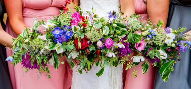 Natural wildflowers for weddings by Tuckshop Flowers, Birmingham. Seasonal September flowers for a Wethele Manor wedding, Warwickshire.