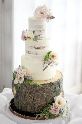 rustic semi naked wedding cake by Benthecakeman with non toxic organic posies by Tuckshop Flowers. Wedding cakes and flowers West Midlands, Worcestershire, Warwickshire, Staffordshire